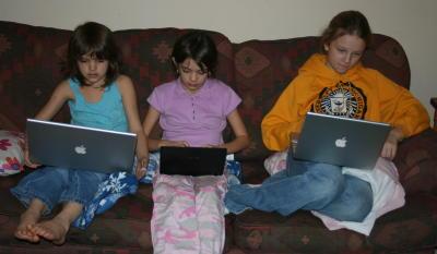3geekygirls.jpg