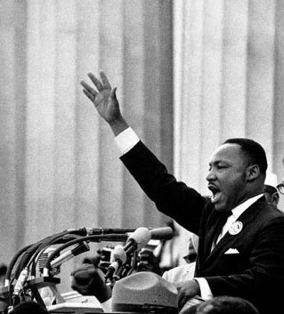 "The Shape of Spectacular Speech: An Infographic Analysis of What Made MLK's ""I Have a Dream"" So Powerful"