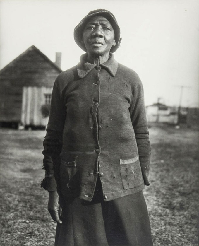 """""""Woman in Thirties"""" by Eudora Welty, the opening photograph in One Time, One Place: Mississippi in the Depression"""