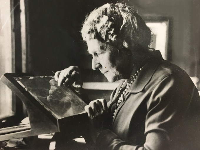 Annie Jump Cannon at work
