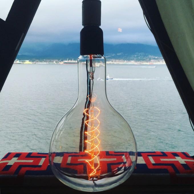 bulb_photobymariapopova