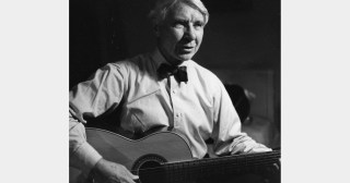 The Poet of the People Sings of Freedom: Carl Sandburg on Transcending the Pride and Vanity that Paralyze Social Justice