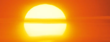 Photo: Sun with heat waves
