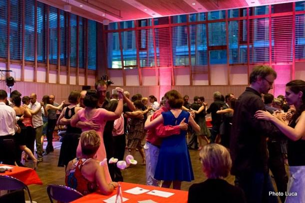 """Milonguita avec """"Tango Libre"""" Trio pour les 20 ans de Braise Tango. Salle de la Communauté, Mairie de Bréquigny Sud Gare, Rennes."""