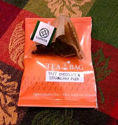 [image: lupicia's chocolate & strawberry puer tea bag]