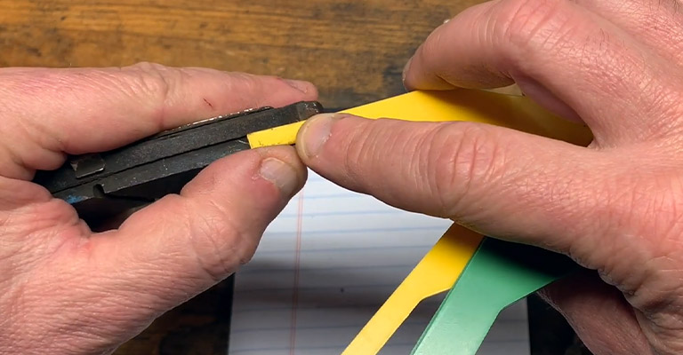 Measuring the thickness of brake pads