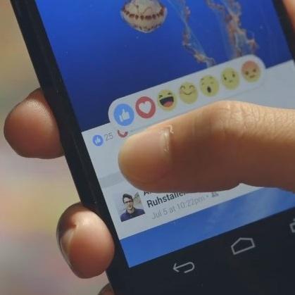 فيسبوك يضيف حالات تعبير إضافية إلى زر الإعجاب (لايك)