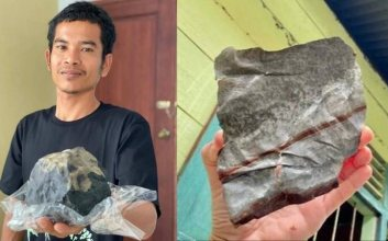 Josua segurando o meteorito e pedaço do telhado de zinco arrancado na queda - Divulgação/Facebook/Josua Hutagalung