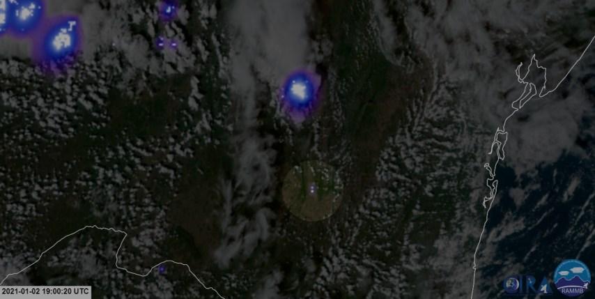 Flash do meteoro registrado no Satélite GOES-16 - Créditos: NOAA / NASA