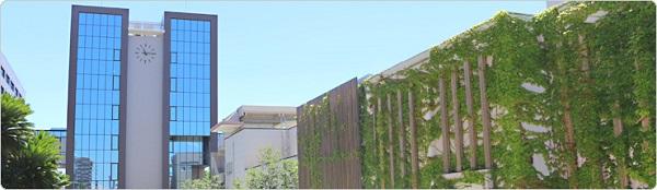 徳島大学理工学部の校舎の写真