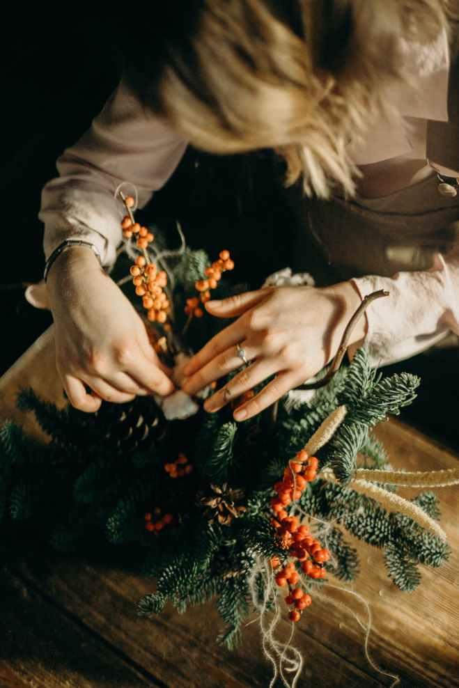 Christmas wreath table centrepiece