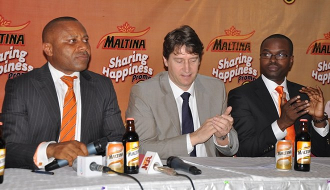 L-R: MR. EDEM VINDAH, MEDIA AND PUBLIC AFFAIRS MANAGER, MR. WALTER DRENTH, MARKETING DIRECTOR, AND MR. TOKUNBO ADODO, MAKETING MANAGER, NON-ALCOHOLIC DRINKS ALL OF NIGERIAN BREWERIES PLC, AT THE PRESS BREIFING FOR MALTINA SHARING HAPPINESS PROMO IN LAGOS