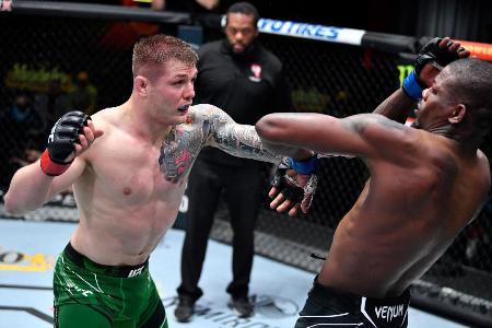 UFC-263_Adesanya
