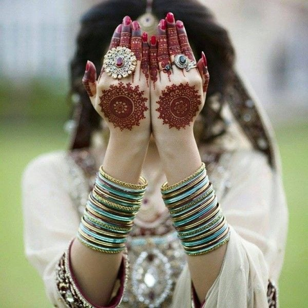 20 Must Have Accessories For Pakistani Brides