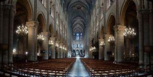 Notre Dame - elävä vuodesta 1345.