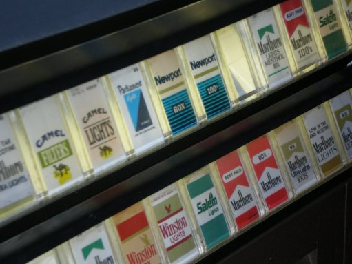 Cigarette machine salem camel marlboro newport