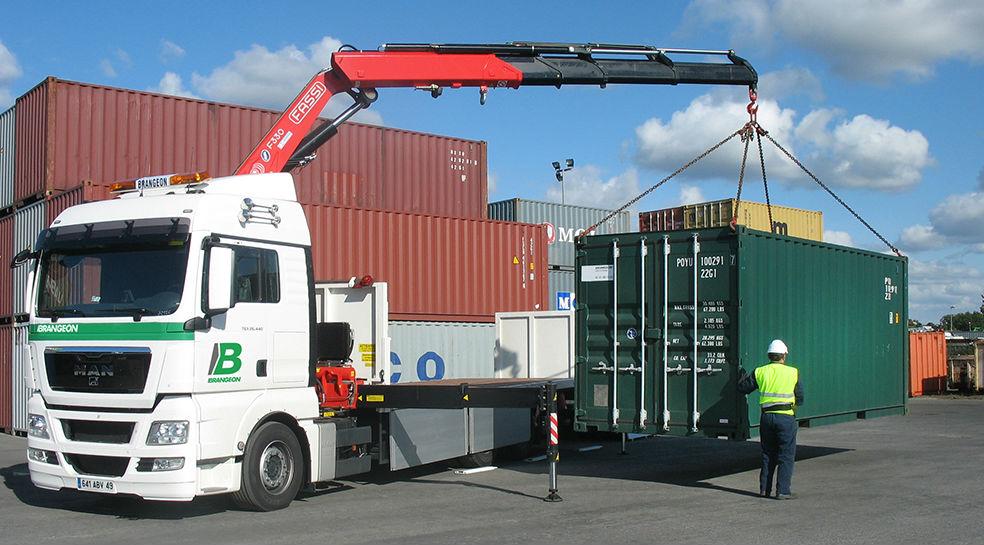 transport conteneur grue