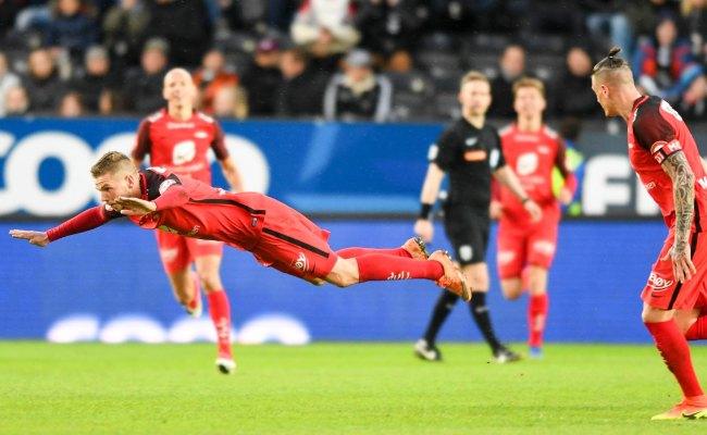 Over 11 000 Solgt Til Brann Rosenborg Brann