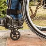Ryggradsimplantat hjälper tre förlamade att gå igen