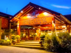 Serrano Resort & Spa em promoção