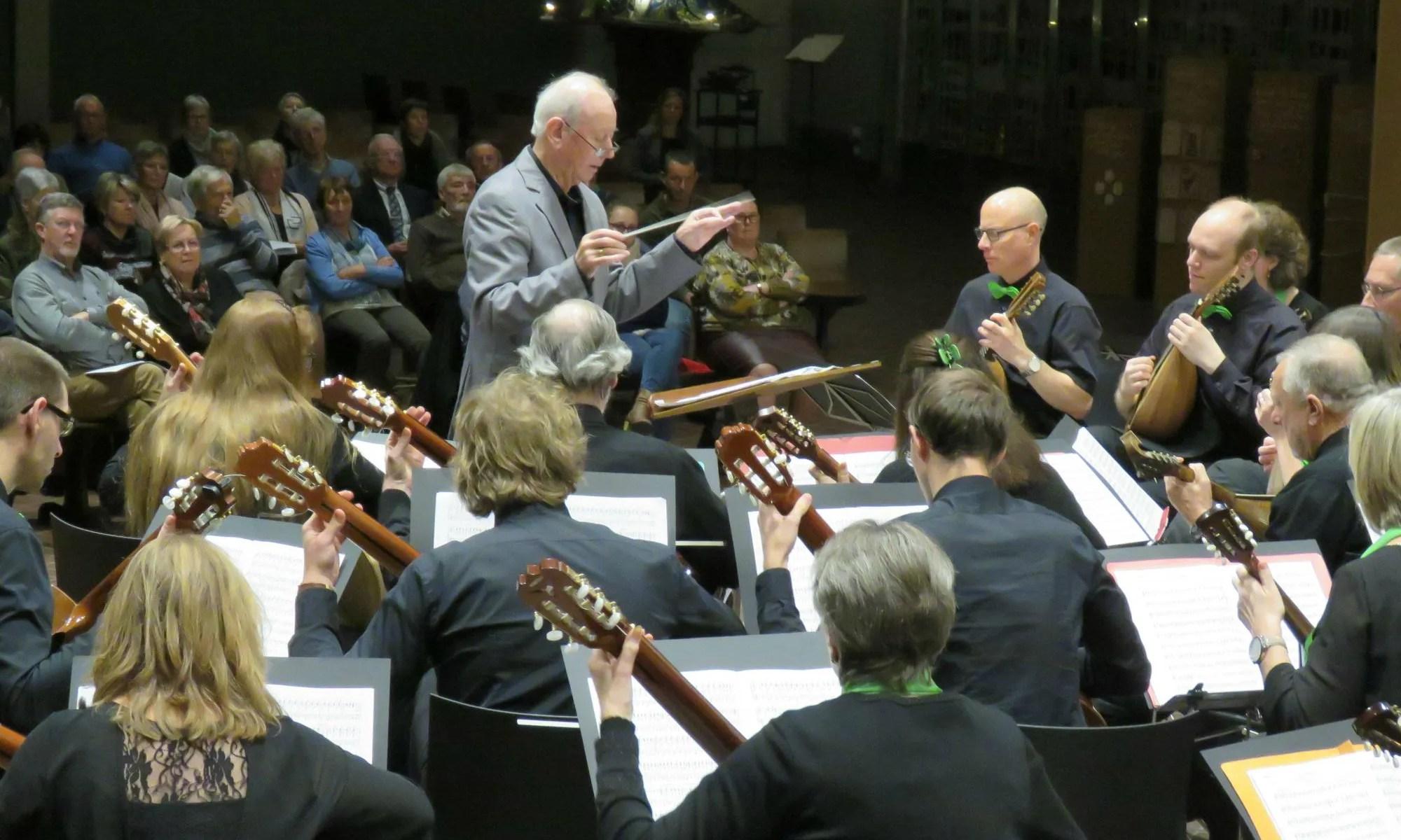 BMO onder leiding van Marcel De CAuwer tijdens concert voor Anna3 in november 2017