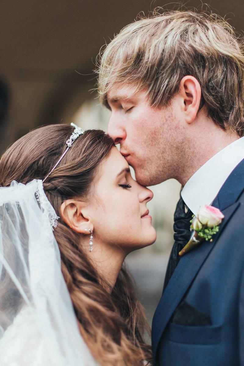 Romantische Hochzeit auf Schloss Baldern_Farbklang Fotografie  20  Heiraten mit brautde