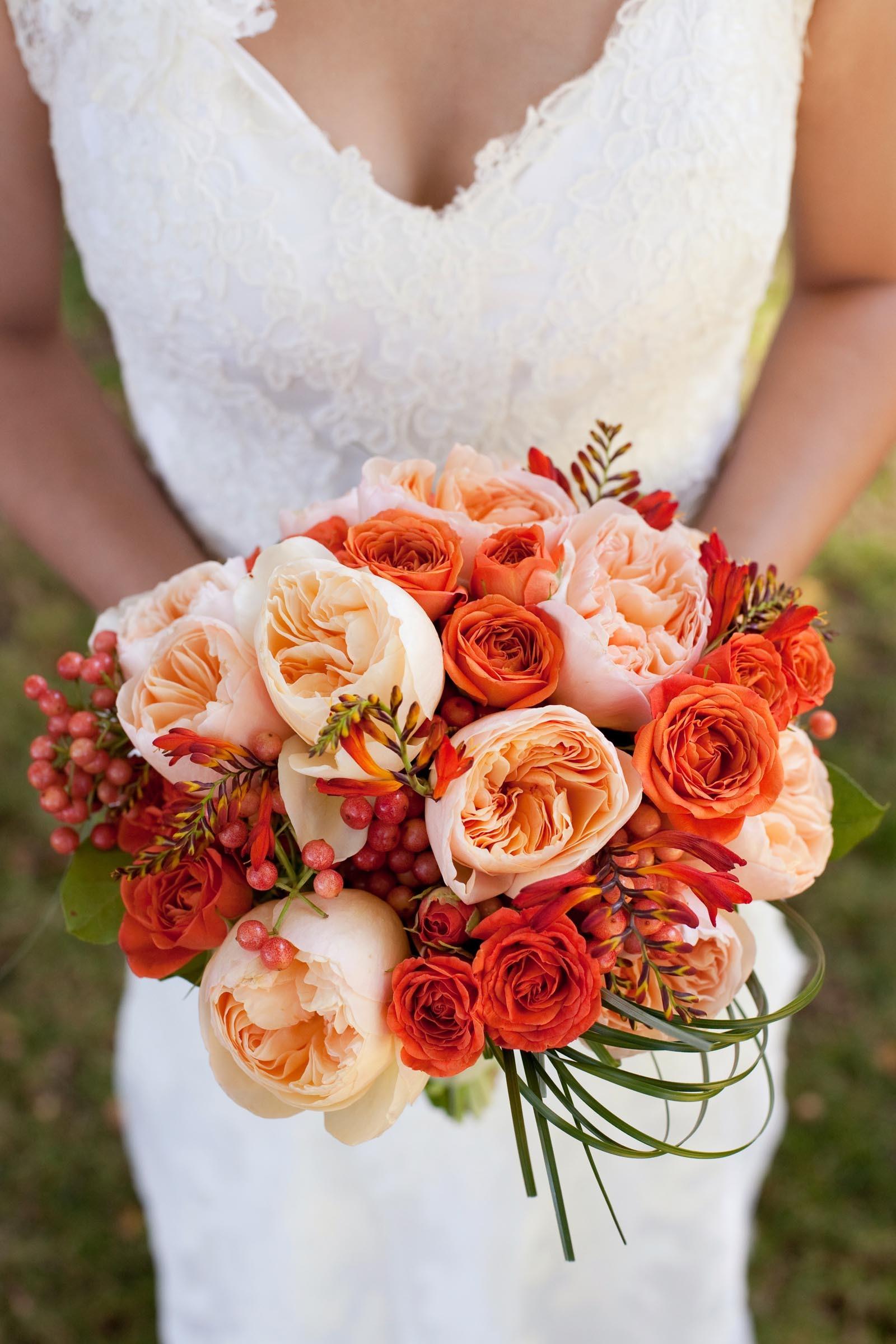 Brautstrau mit Pfingstrosen  Heiraten mit brautde