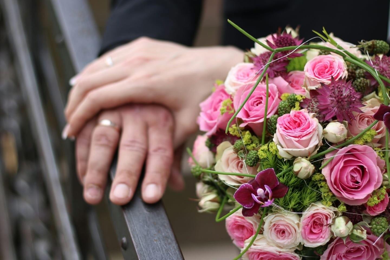 Sommerlicher Blumenstrau in Rosa  Heiraten mit brautde