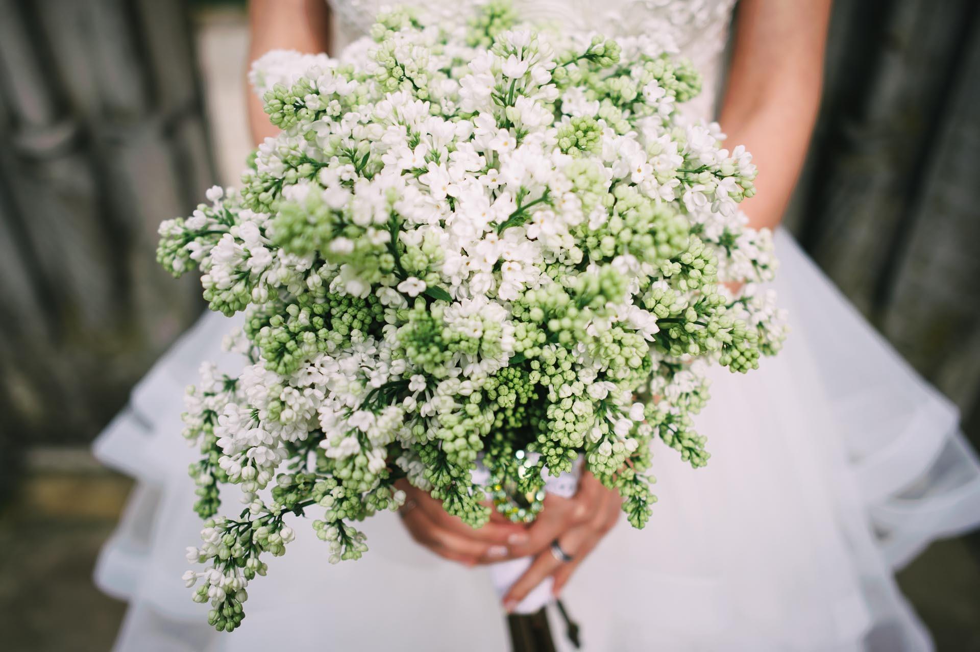 Brautstrau modern aus Schleierkraut  Heiraten mit brautde