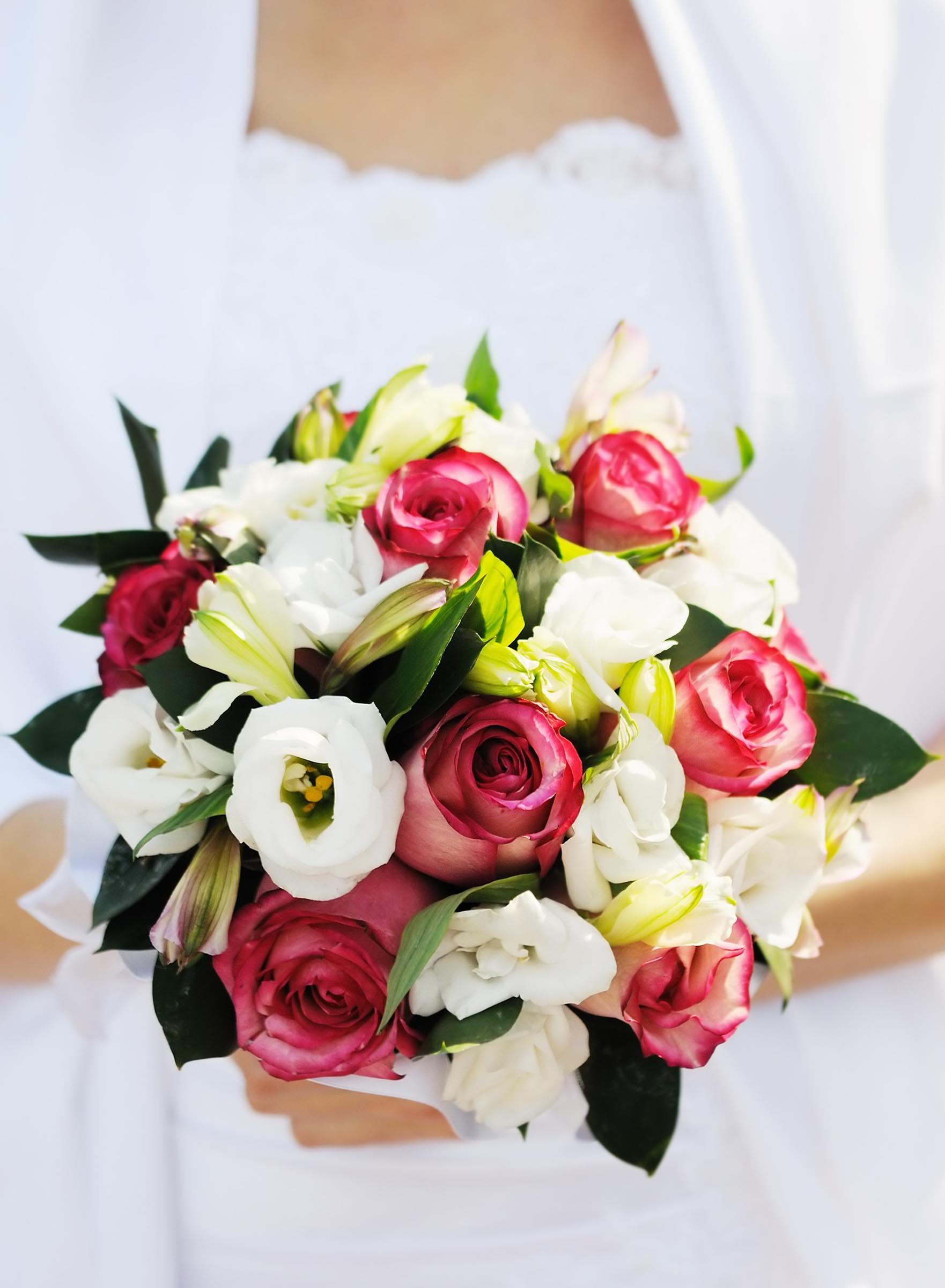 Brautstrau in Wei und Rosa  Heiraten mit brautde