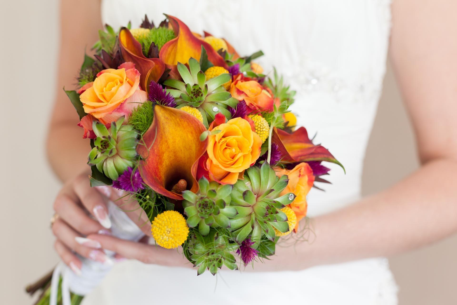 Brautstrau in Orange und Grn  Heiraten mit brautde