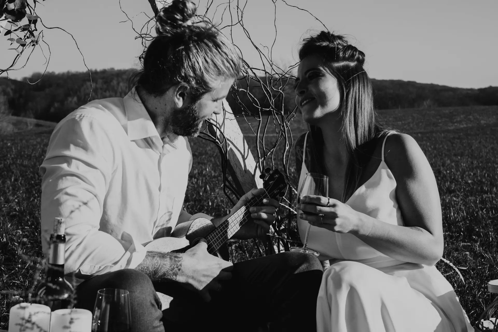 Hochzeitsinspiration Romantisches Picknick meets Skateboard