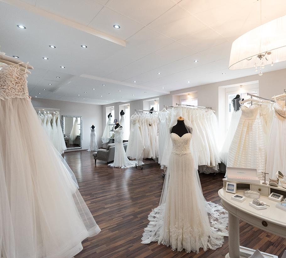 Brautmode nahe coburg  Beliebtes Hochzeitsfoto Blog 2019