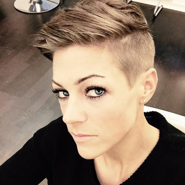 Saskia Beecks Mit Undercut Hot Or Not Neue Frisuren Der Stars