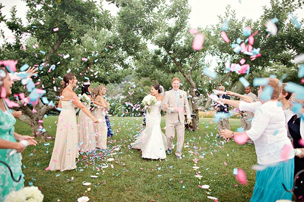 Things to Throw at Weddings  BravoBride