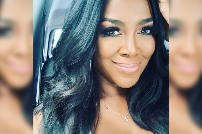 Kenya Moore S Natural Hair Texture Without Relaxer Chemicals