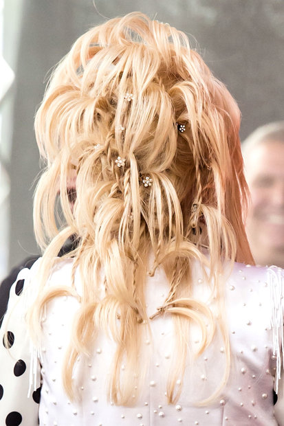 dolly parton's hairstyles