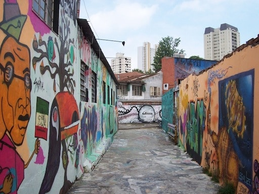 Graffity in Sao Paulo City by www.brazilfilms.com a film video and stilll production services company