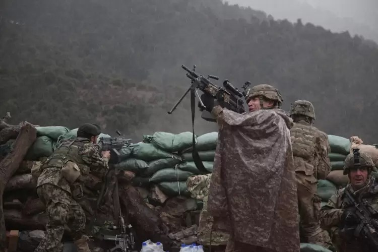 The Hornets Nest - M249 SAW in the rain