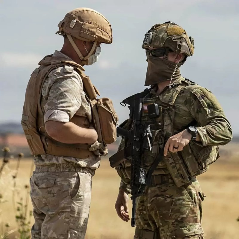 US and Russian troops meet in Syria