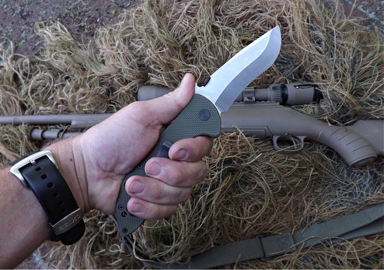 Emerson Commander - finger grooves on handle.
