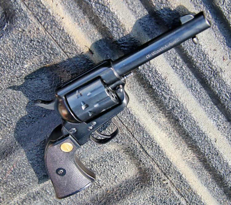 Chiappa 1873 SAA 22-10 revolver
