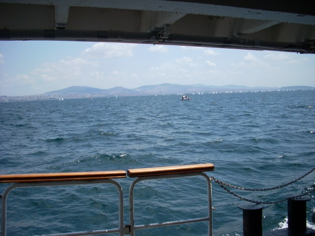 ferry to Kınalıada