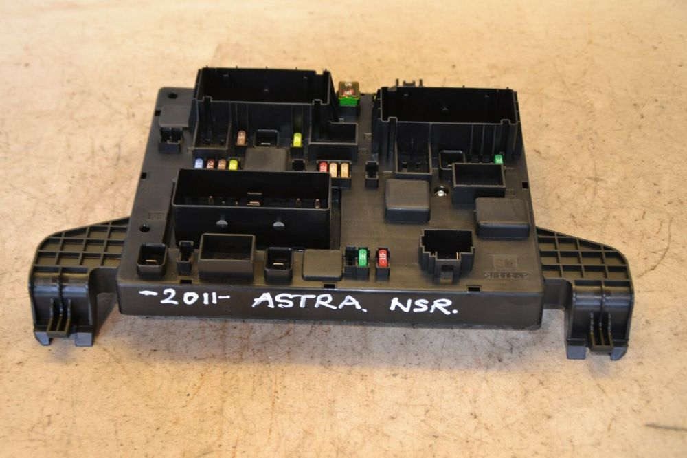 medium resolution of vauxhall astra fuse box 13302301 mk6 astra 2 0 cdti fuse box 2011