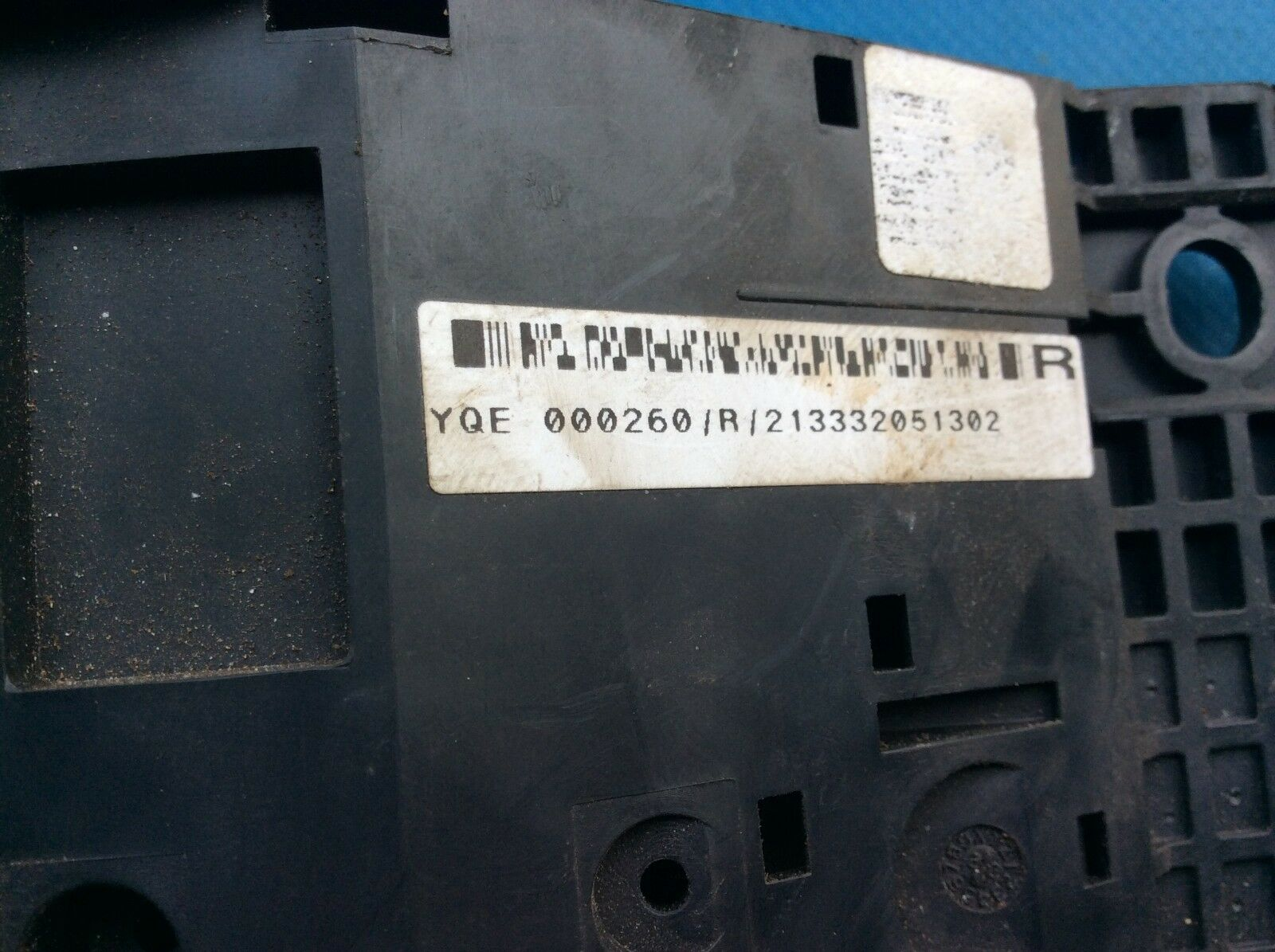 hight resolution of land rover freelander engine bay fuse box part yqe000260