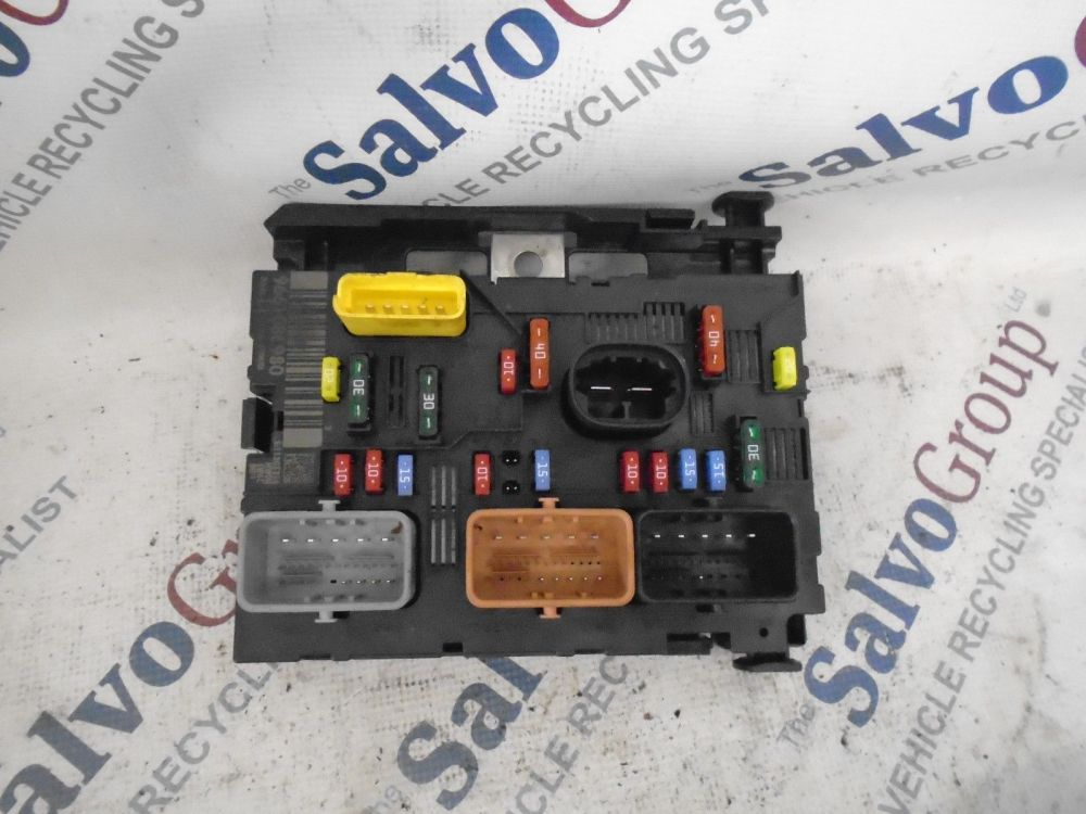 medium resolution of peugeot fuse box 207 wiring diagram gopeugeot 207 1 4 16v fuse box 9661086980 breakeryard com
