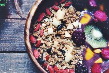 KaleBerryBreakfastBowl | Breakfast Criminals
