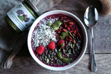 Berry Bright Smoothie Bowl