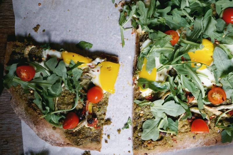 Healthy pizza with arugula recipe