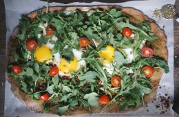 Healthy pizza with arugula recipe